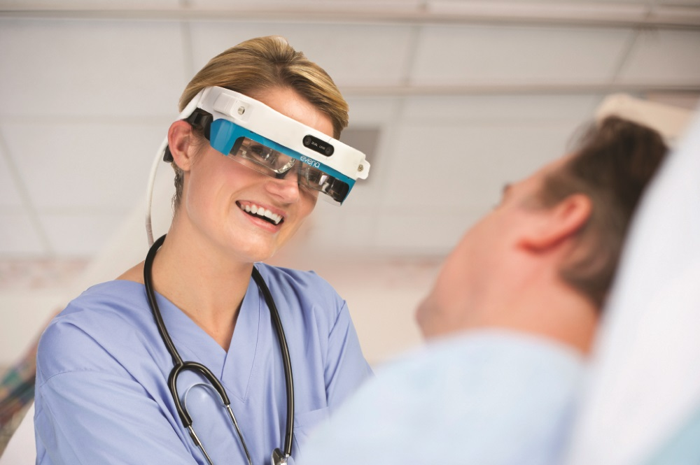 Nurse with Evena Smart Glasses